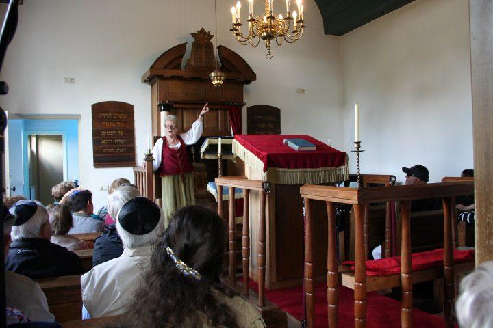 In der Synagoge erzählte eine Gästeführerin uns über ehemaliges jüdisches Leben in Bourtange