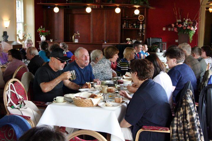 Im Restaurant 's Lands Huys gab es Mittagessen mit Groninger Senfsuppe